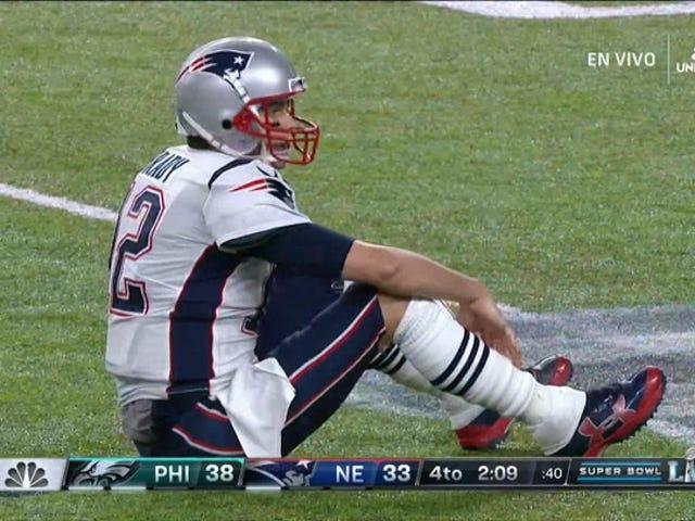 The Tom Brady Strip Sack, como lo llaman los anunciantes de Filadelfia, Boston y otros 11 lugares del mundo
