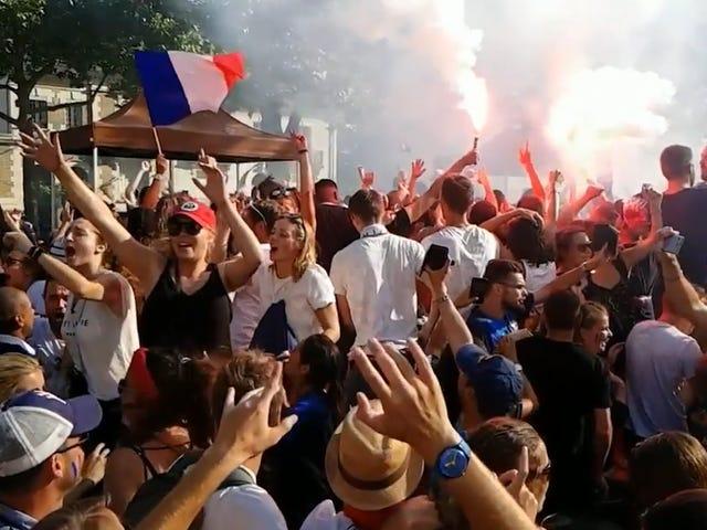 Orang-orang Perancis Merayakan Kejayaan Piala Dunia Mereka Membuat Saya Cemburu