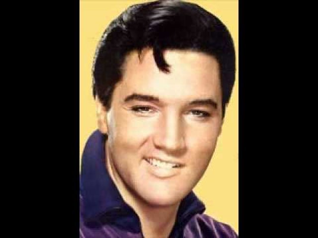 Estaba escuchando a Elvis en el camino de hoy.