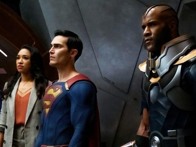 El trailer de La crisis en las tierras infinitas promete un cruce de proporciones superheroicas