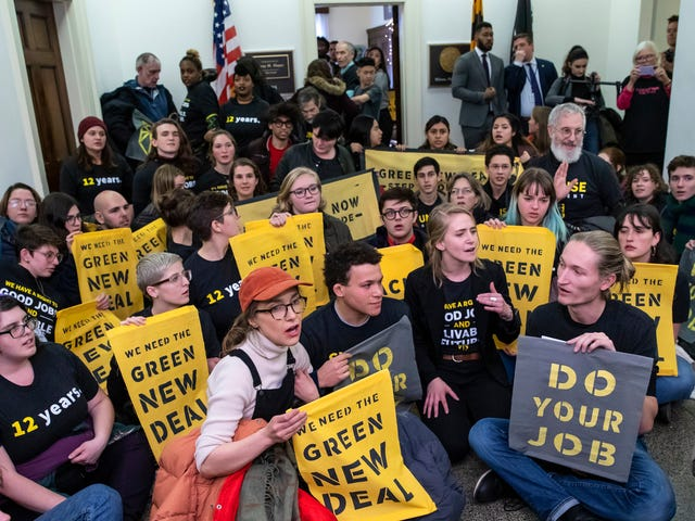 Activists Have a Plan to Keep the Senate From Nuking the Green New Deal