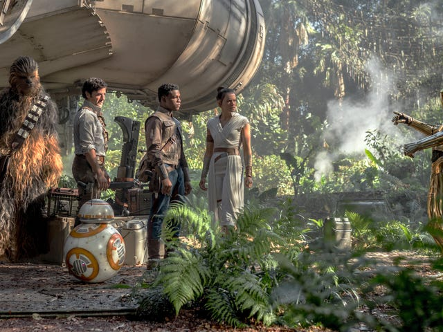 io9's Rise of Skywalker Roundtable: Trying Not to Murder Each Other Over Star Wars