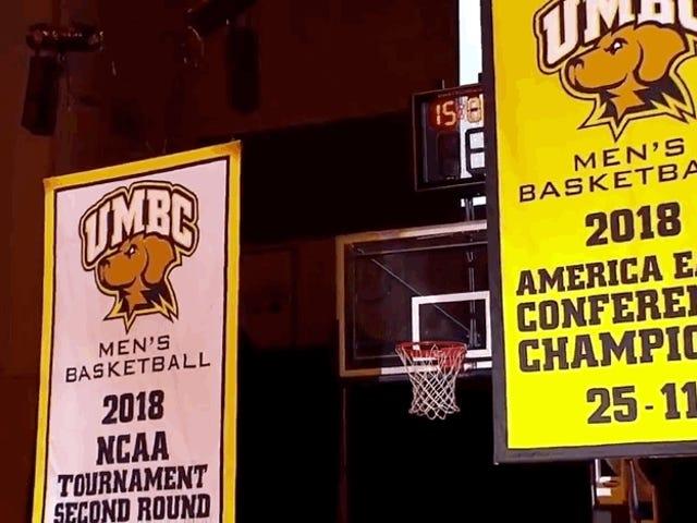 UMBC hebt das einzige gute Banner an