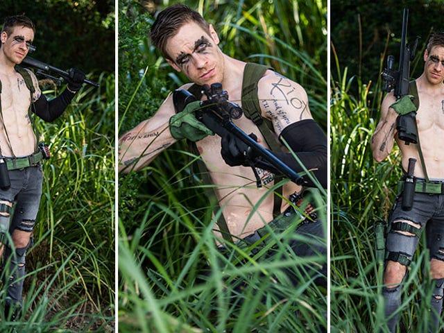 Um tipo diferente de sexy Metal Gear cosplay