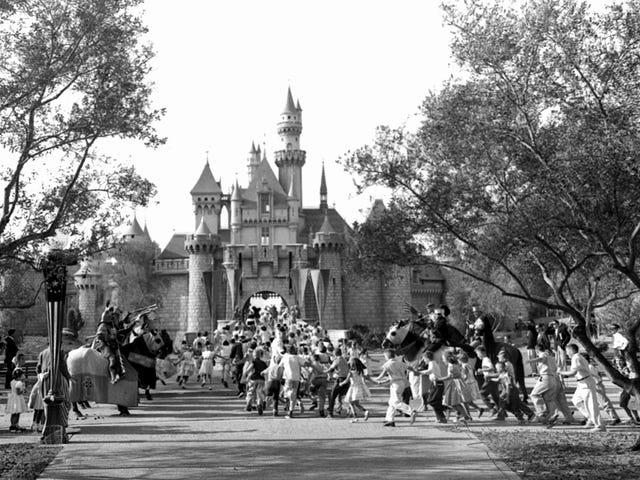 """""""Puede ser más de lo que los niños pueden soportar"""": ase fue el primer (ydintekijä), joka on Disneyland, hace más de 60…"""