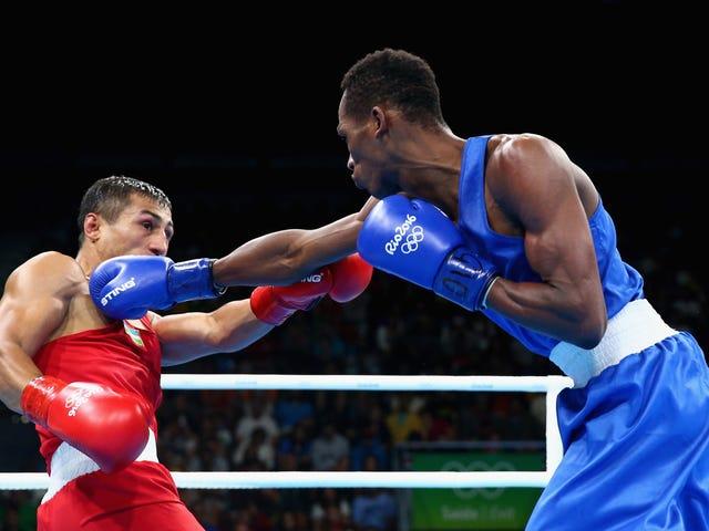 ओलंपिक मुक्केबाजी परेशानी की एक मेस में है