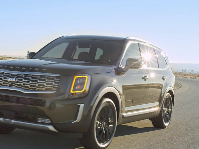 Still not as good looking as the 2016 Telluride concept, but I think Kia pulled off a better XT6 than Cadillac