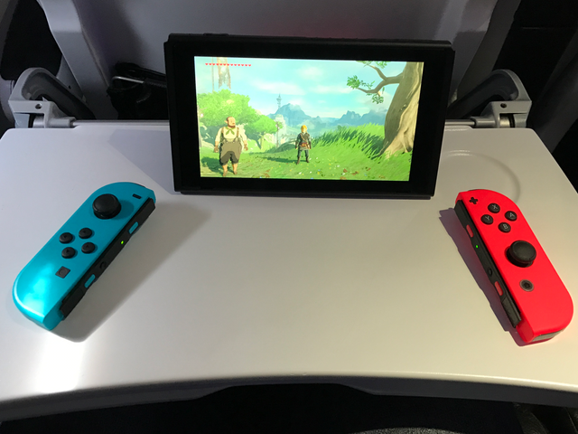 GameStop's $500 Nintendo Switch Bundle Is In Stock, and Actually Not a Complete Rip-Off