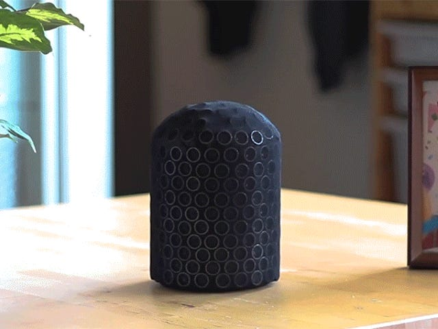 Ce prototype de haut-parleur intelligent peut émettre sa voix comme un ventriloque