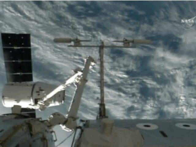 Το διαστημικό σκάφος Dragon SpaceX έχει φτάσει στο ISS