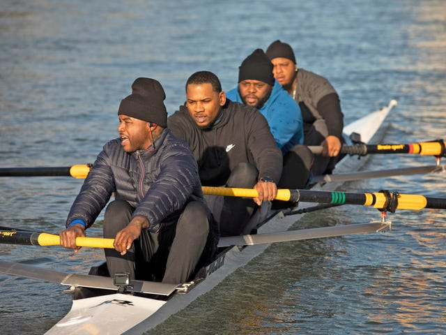L'histoire de la première équipe d'aviron entièrement noire est absolument incontournable