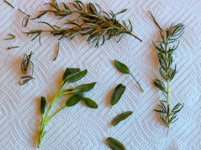 How to Fry Herbs, And What to Do With Them