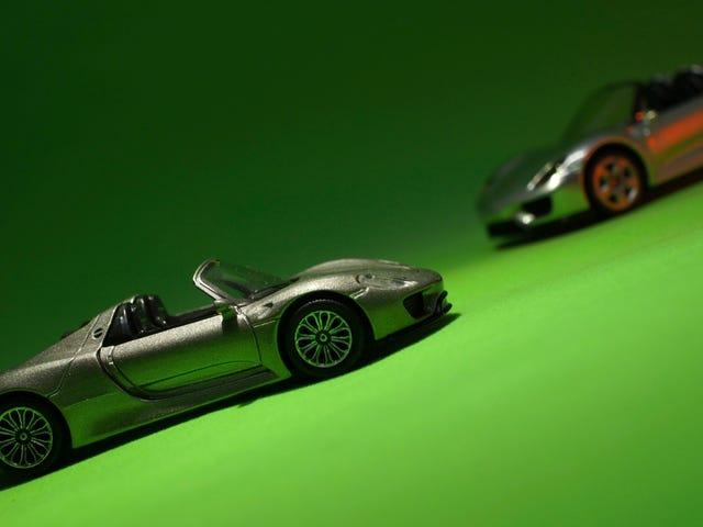 Тевтонский вторник: Hochleistungs Mittelmotor Fahrzeug mit Hybridantrieb
