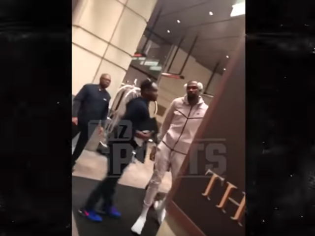 Kevin Durant Lightly Restrained After Hearing Very Funny Or Very Boring Heckle