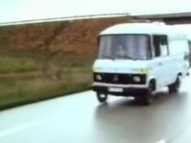 This Story on a German Engineer Who Made an Autonomous Mercedes Van in 1986 Is Fascinating