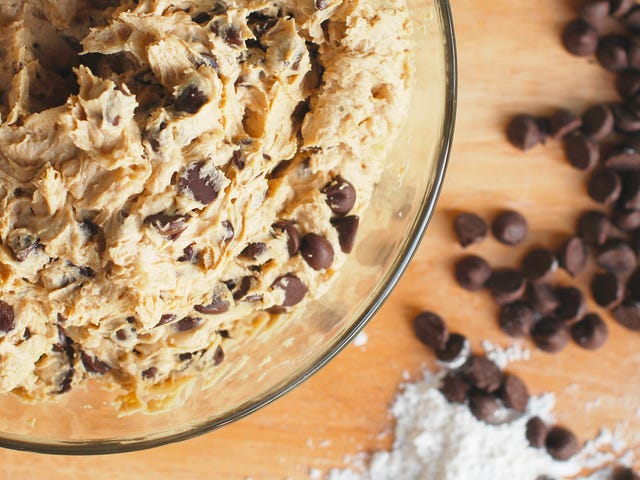 The FDA Would Like to Remind You Not to Eat Raw Cookie Dough