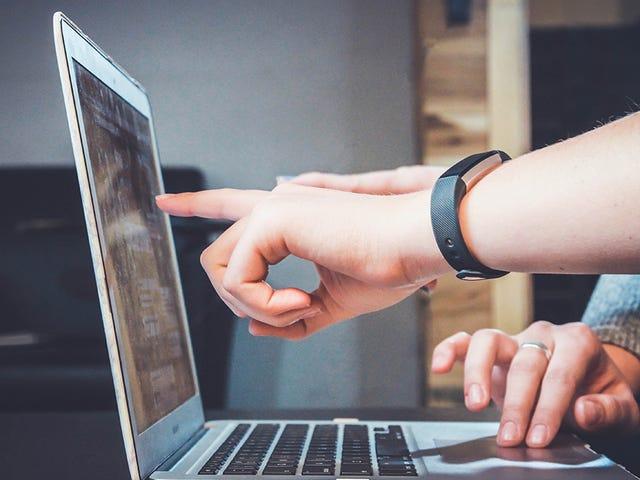 12 điều cần làm với công nghệ của bạn bè và gia đình để khiến họ ngừng làm phiền bạn