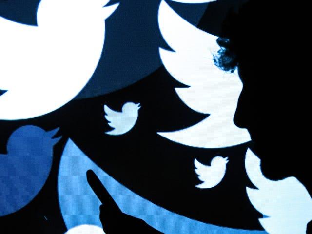 ट्विटर का उपयोग फ्रांसीसी मतदाता पंजीकरण अभियान को अवरुद्ध करने के लिए फ्रांस के अपने नकली समाचार कानून का उपयोग करता है