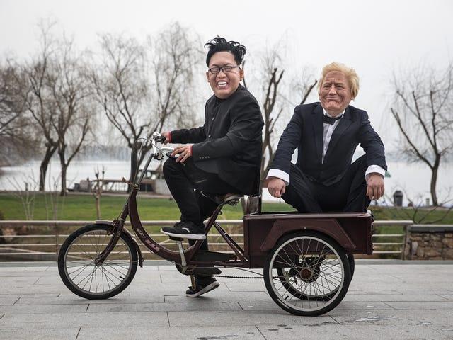 Kim Jong Un ng Amerika at Kim Jong Un North Dumating Sa Vietnam para sa Bae-cation