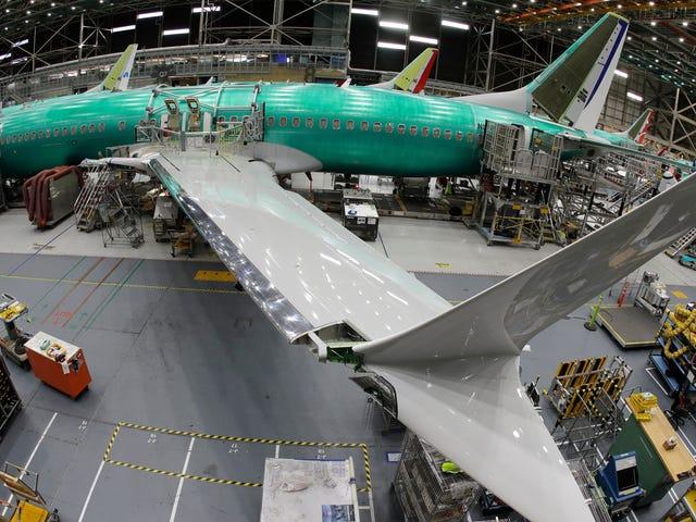 FAA được báo cáo là đã giám sát hệ thống bay tối đa 737 tối đa cho Boeing