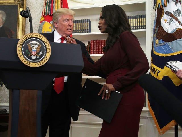 O Presidente Sofre De um Vício em Coca Diet, Possui 2 Armas e Mais Maluquice do Livro de Omarosa
