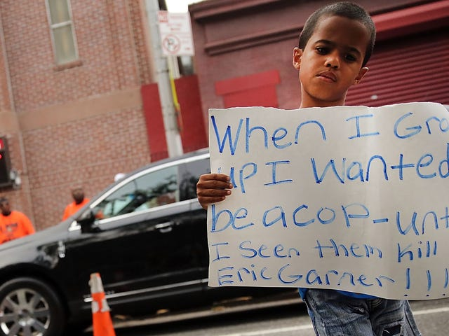 Federal Prosecutors Want to Charge Cop Who Put Eric Garner in Choke Hold