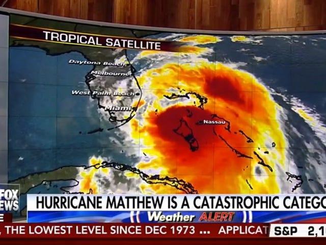 Shep Smith a todos aquellos en el camino de Matthew: 'No puedes sobrevivir a esto ... Y tus hijos también mueren'