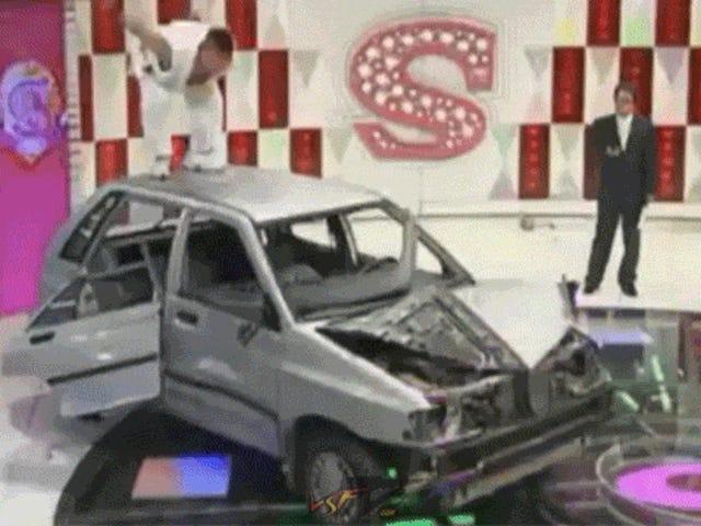 <i>Street Fighter</i>ように車を破壊する人。 並べ替えます。