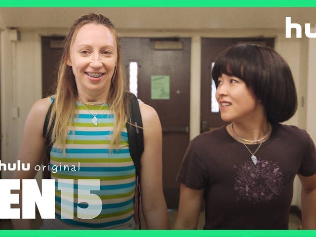 PEN15 Is a Beautiful Reminder of the Horrors of 7th Grade