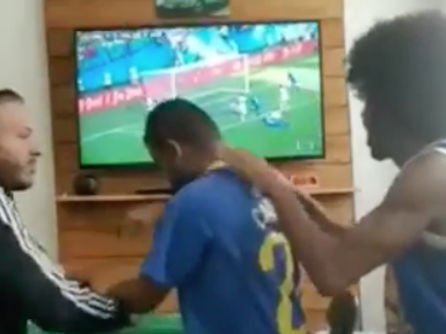 Here's How A Deaf And Blind Brazil Fan Enjoys The World Cup
