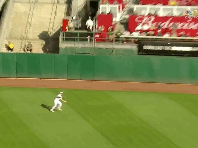 Someone Please Tell Me How The Hell Stephen Piscotty Made This Catch