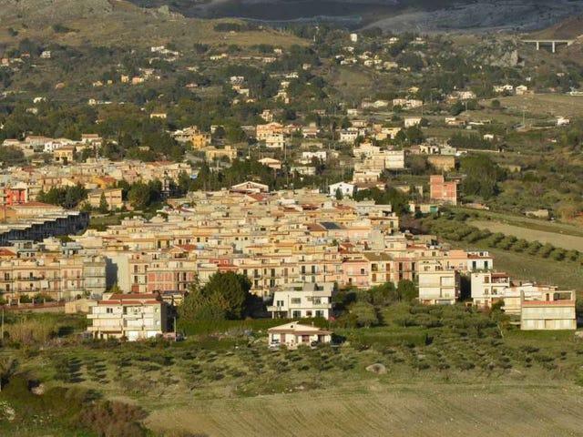 Esta idílica ciudad en Sicilia vende casas a 1 euro con una sola condición: renovarlas en un plazo de tres años