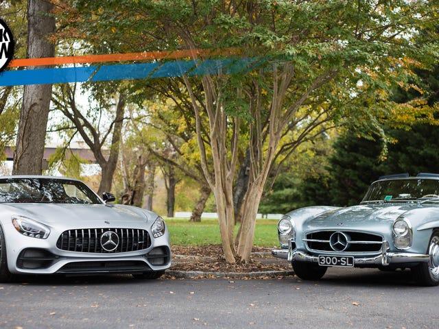 Mercedes-AMG GT C Roadster и Mercedes-Benz 300SL родстер оба приветствуют от золотого века
