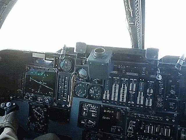 Ga binnen de inzet van de mannen en vrouwen die ISIS bestrijden met de B-1 bommenwerper