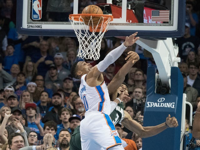 NBA Refs Continue String Of Clutch Fuck-Ups With Game-Deciding No-Call In OKC