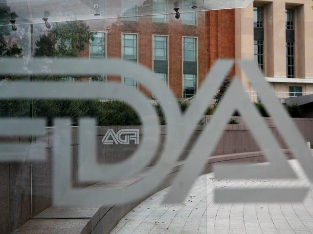 Οι ενέργειες επιβολής της FDA έχουν πέσει δραματικά κάτω από το ατού, ανακαλύπτει η έρευνα