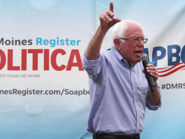 Λαμβάνοντας ως στόχο τον Amazon και τον Uber, η καμπάνια της Sanders υπόσχεται να σβήνει την νομοθεσία υπέρ της Ένωσης