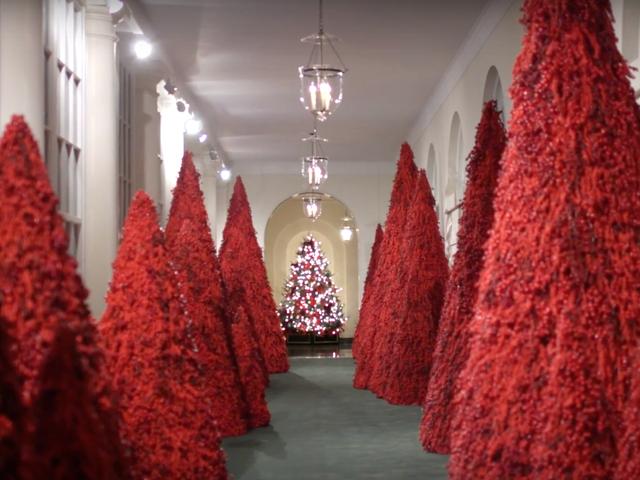 Het Witte Huis zet zijn traditie voort van het veranderen van Kerstmis in een horrorfilm