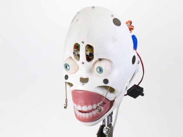 Το όνομα του φίλου μου Robot είναι ο Henry και είναι πολύ καλός για μένα