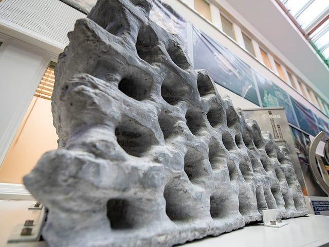 Este bloque de 1,5 toneladas impreso en 3D con polvo lunar es un paso más hacia la primera base en la Luna