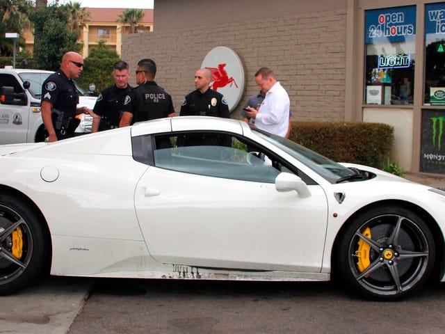ตำรวจหา Ferrari ที่ถูกโจรกรรมด้วย 'Vomit Caked On The Side' หลังจากถูกกล่าวหาว่าขโมยเริ่มถามหาเงินแก๊ส