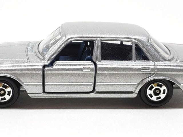 [REVIEW] Tomica Mercedes-Benz 450 SEL