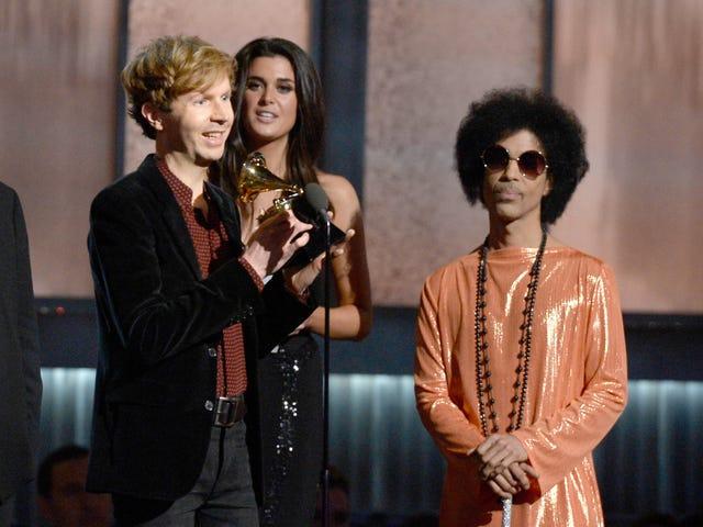 Có, The Grammys là ngu ngốc, nhưng nó không phải lỗi của Beck