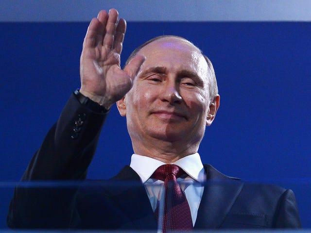 Putin firma una legge che depenalizza la violenza domestica in legge