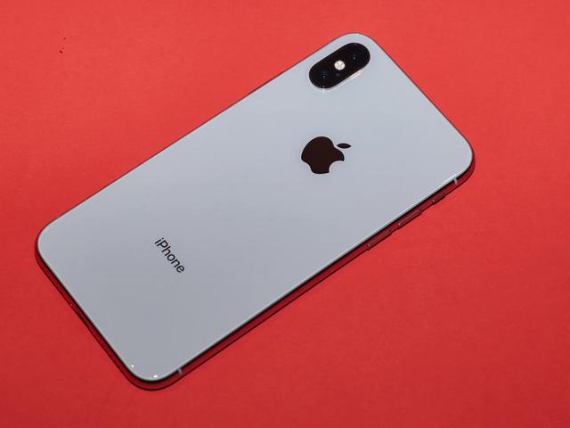 शोधकर्ताओं का कहना है कि उन्होंने बेहोश लोगों पर टेप लगाकर एप्पल के फेसआईडी को धोखा दिया