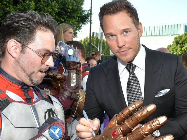 """Chris Pratt shares """"illegal"""" video he took of all the famous people while filming Endgame"""