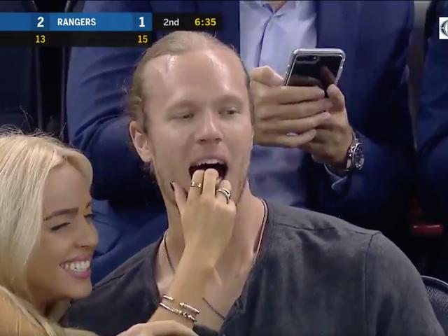 Noah Syndergaard Enjoys Hockey Game