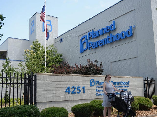 Missouri's Last-Remaining Abortion Clinic Can Stay Open for Now—but the State Has Yanked Its License