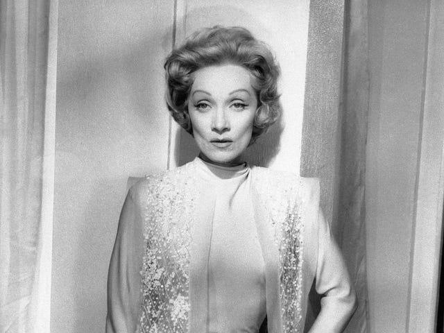 Excuseer mij, Sasha Velor trok de Marlene Dietrich Google Doodle ?!