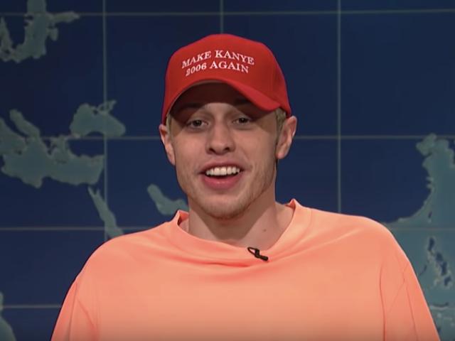 Xem: SNL's Pete Peteon Clowns Kanye's Off-Air MAGA Rant